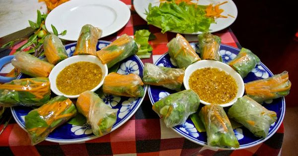 Spring rolls, Chelsea and Recipe for spring rolls on Pinterest