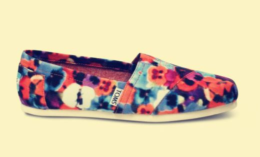 Style It Up! Toms Summer Shoes. Must remember this!$22 {hello summer}
