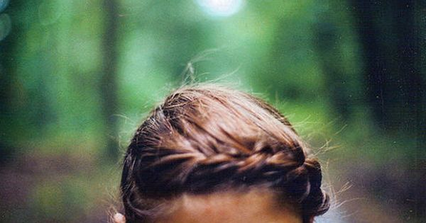 Very unique brides hairstyle