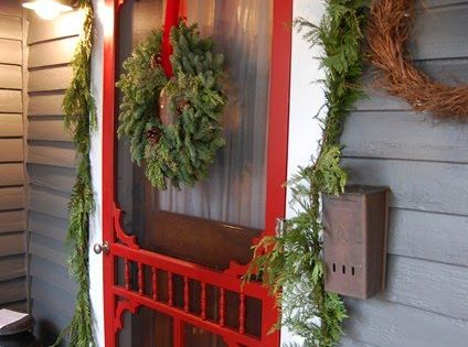 Red Screen Christmas Door/ just love the red screen door!