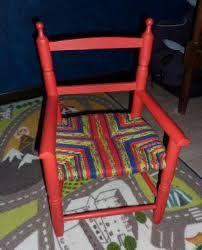 Resultat De Recherche D Images Pour Rempaillage Chaise Avec Tissu Rempaillage Chaise Chaise Revetement De Chaise