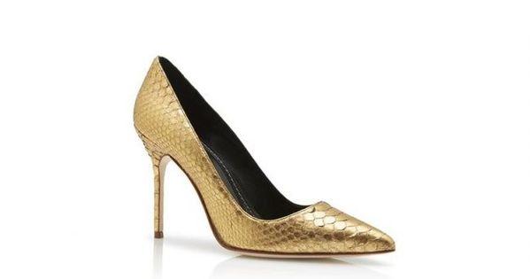 Manolo Blahnik 2018 Bridal Shoes Feel Like Carrie Bradshaw On Your Big Day Image 6 Manolo Blahnik Heels Manolo Blahnik Blahnik