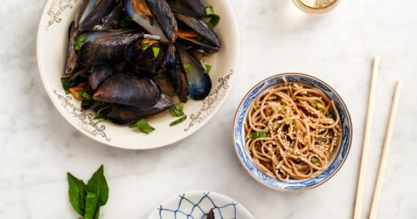 Mussels, Steamed mussels and Love and lemons on Pinterest