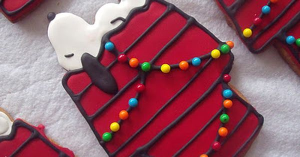 A Charlie Brown Christmas Sugar Cookies - lights on Snoopy's dog house