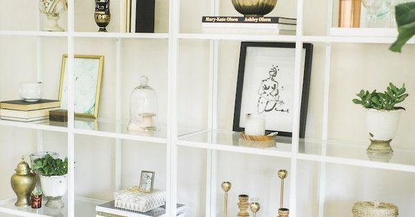 Shelf styling vardagsrum pinterest heminredning for Furniture of america nara contemporary 6 shelf tiered open bookcase