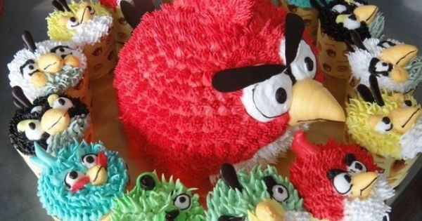 Angry Birds Cupcakes! Great Birthday idea!