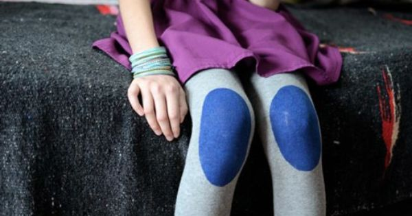 diy knee patch tights. i think this could be a fun idea