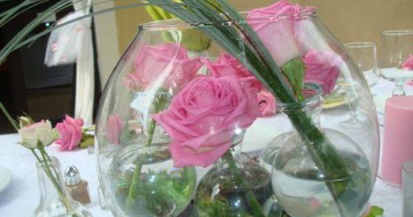 Decoration De Table Centre De Table Romantique Bocal Avec Boules D Eau Roses Roses Deco Floral