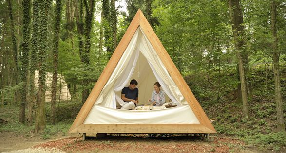 Camper Dans Un Jardin