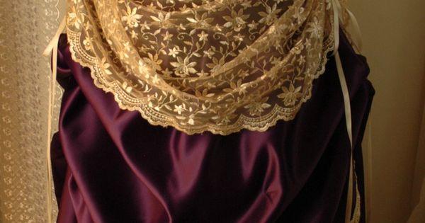 I looooove victorian dresses!