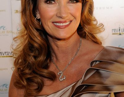 Jane Seymour In 2010 Miss Universe Pageant Arrivals