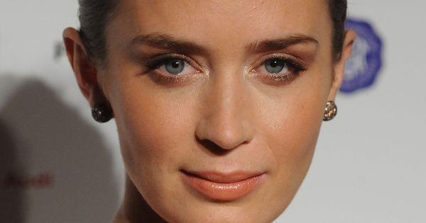 Emily Blunt Emily Blunt Pinterest Emily Blunt And Female Celebrities