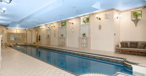 28 Westwood Dr Worcester Ma 01609 Mls 72363818 Zillow Lap Pool Zillow Swarovski Crystal Chandelier