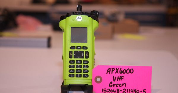 Motorola APX6000 VHF FPP 5 Algou0027s Bluetooth (Radio Only) Green