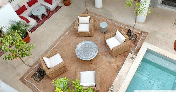 Moroccan theme moroccan decorating by medina touch for Decoration porte patio