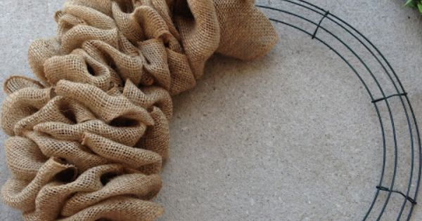 Burlap Wreath! This is on my