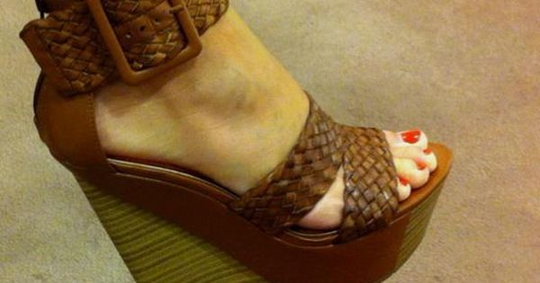Heel shoes - photo