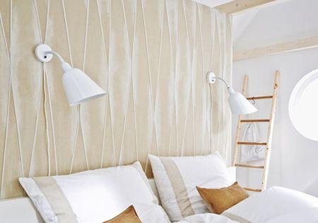 unterm dach schlafzimmer mit schr gen einrichten gem tliches schlafzimmer ankleide und schlicht. Black Bedroom Furniture Sets. Home Design Ideas