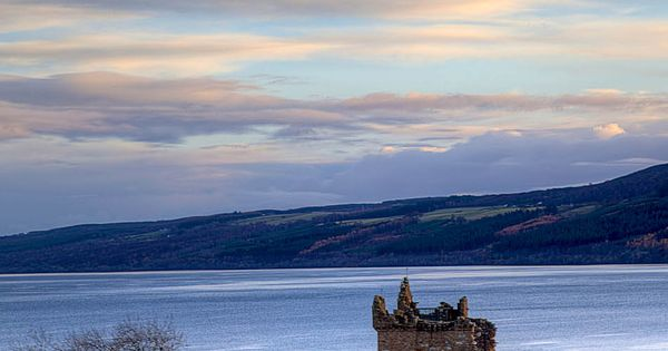 Urqhart Castle beside Loch Ness, Scotland | Top 10 Tourist Attractions in
