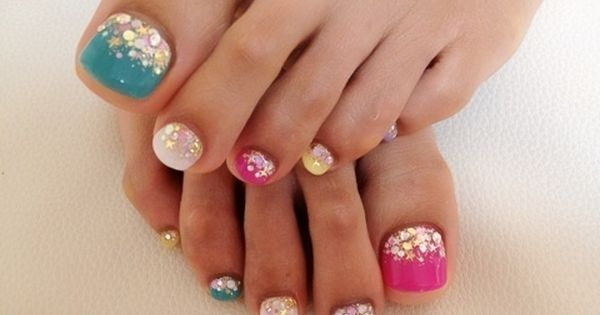 so many cute nail designs on this website