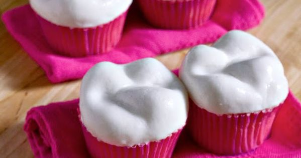 Sweet Tooth: Tooth Cupcakes!!! Would be great for someone I know in