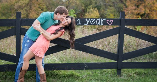 Nashville photographer Hailey Rahm capturing the love of a 1st year anniversary