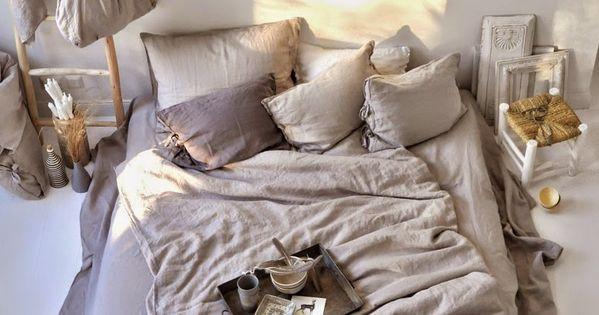 matratze auf dem boden ohne bettgestell hat man gleich. Black Bedroom Furniture Sets. Home Design Ideas