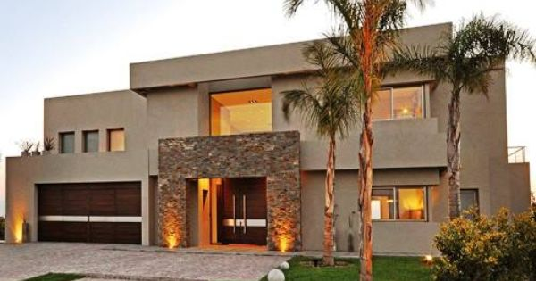 Estilo actual racionalista en los cardales provincia for Fachadas de casas modernas con piedra de una planta