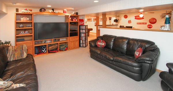 Finished basement with pool table space, rec room and bar ...