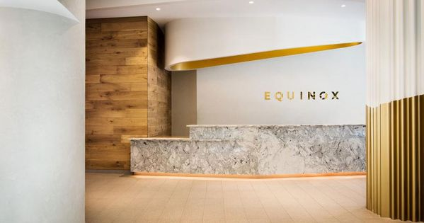 A Former Los Angeles Tv Studio Transforms Into Equinox S New Wellness Gym And Spa Pilates Studio Equinox Interior Design