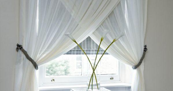 ici une belle fa on d accrocher et pr senter les rideaux croisement diy d co pinterest. Black Bedroom Furniture Sets. Home Design Ideas