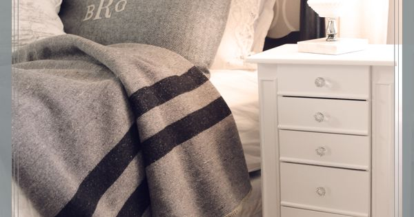 Love gray and white @Heidi Haugen Haugen Crotty cozy blanket warms up