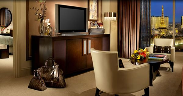 Bellagio Suites Located On Floors 29 36 And Offers 1 020 Square