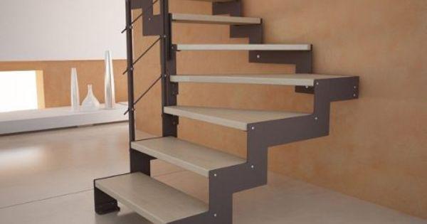 Escalera de hierro con madera trabajos de herreria for Puertas de escalera