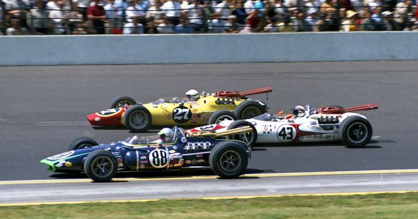 indy 500 1965 jackie stewart 43 lines up between jerry grant 88 and billy foster 27. Black Bedroom Furniture Sets. Home Design Ideas
