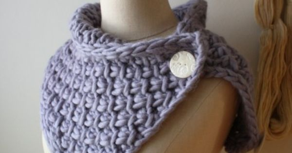 Phydeaux Twist Cowl Knitting Pattern | Phydeaux Designs