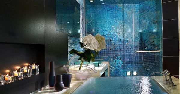 Contemporary Master Bathroom with Bathtub, Infinity edge bathtub, Palazzo del mare, Wall