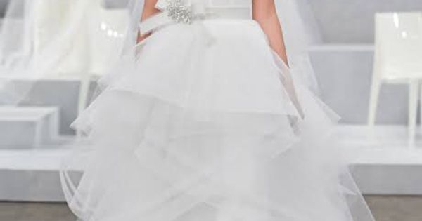 fashion beauty wedding dresses find perfect dress your body type like these celeb brides