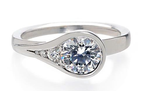 Modernly Designed This Artistic Engagement Ring Features