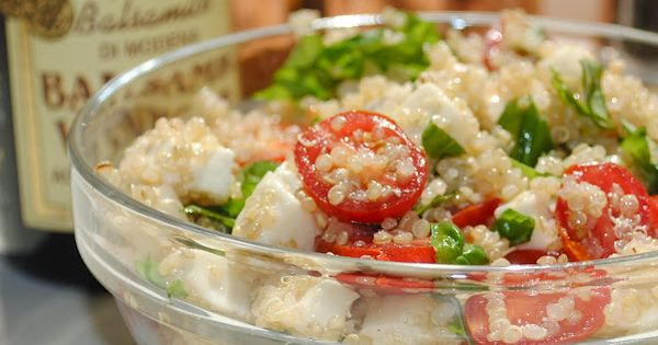 {Caprese Quinoa Salad} healthy lunch