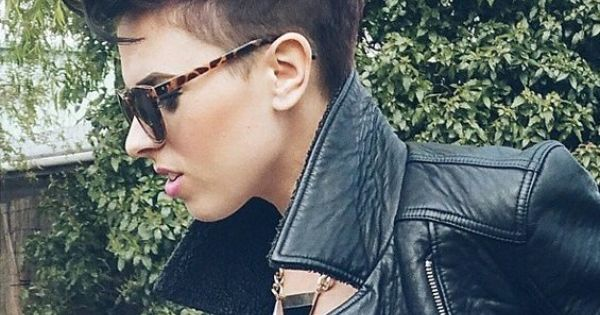 ander gezicht geven | Short hair | Pinterest | Om, Tes and Winter