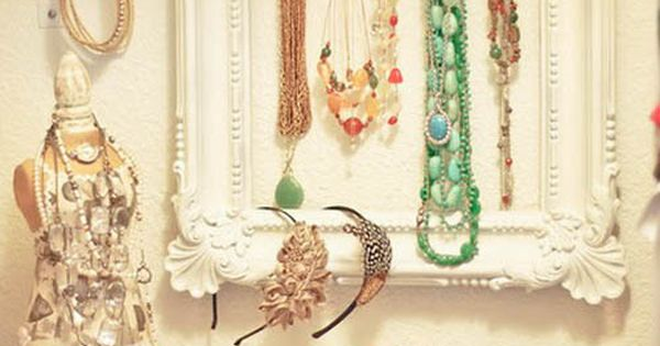 Wonderland: DIY Jewelry organizer. I love the idea of an empty picture