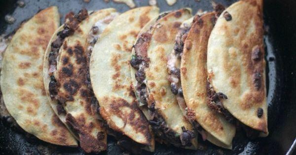 No recipe link: Crispy Black Bean Tacos Ingredients 2 cups black beans,