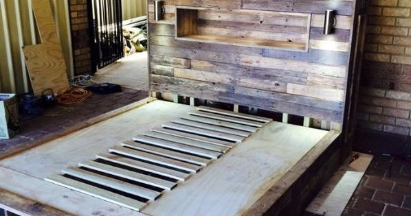 Do It Yourself Furniture Ideas: DIY Pallet Bed With Headboard