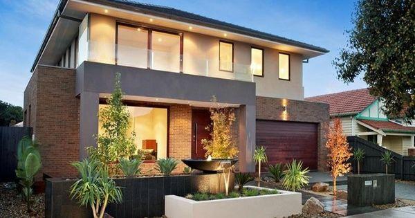 Fachada de casa moderna pequena con pequena fuente de agua for Design exterior fatade case
