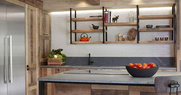 Cuisine de chef style rustique portes d 39 armoires en ch ne for Armoire de cuisine rustique