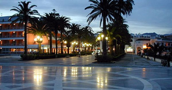 Balcon De Europa Nerja Spain Places In Spain Nerja Spain