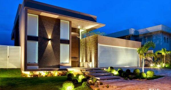 Fachadas de casas com escadas na frente veja entradas for Fachadas casa modernas pequenas