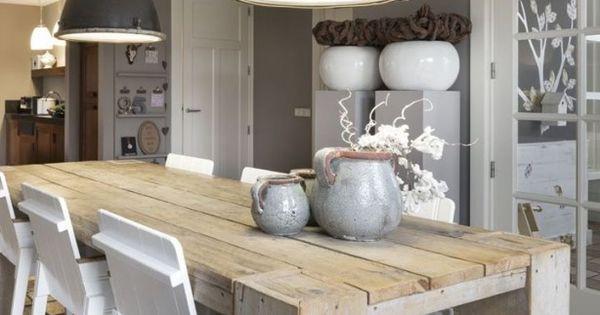 Love these lights industrial pinterest grijs hout en lampen - Rustieke eetkamer decoratie ...