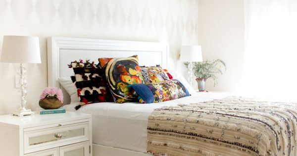 beautiful and subtle ethnic touches in this chic bedroom - Moroccan wedding